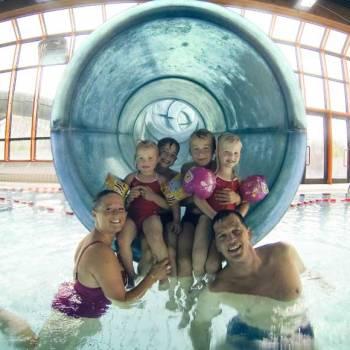 Piscine sauna aquagym aquabike gravelines sportica for Toboggan piscine particulier